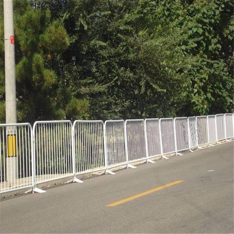 臨時移動柵欄 可移動式防護欄 耐用鐵馬護欄