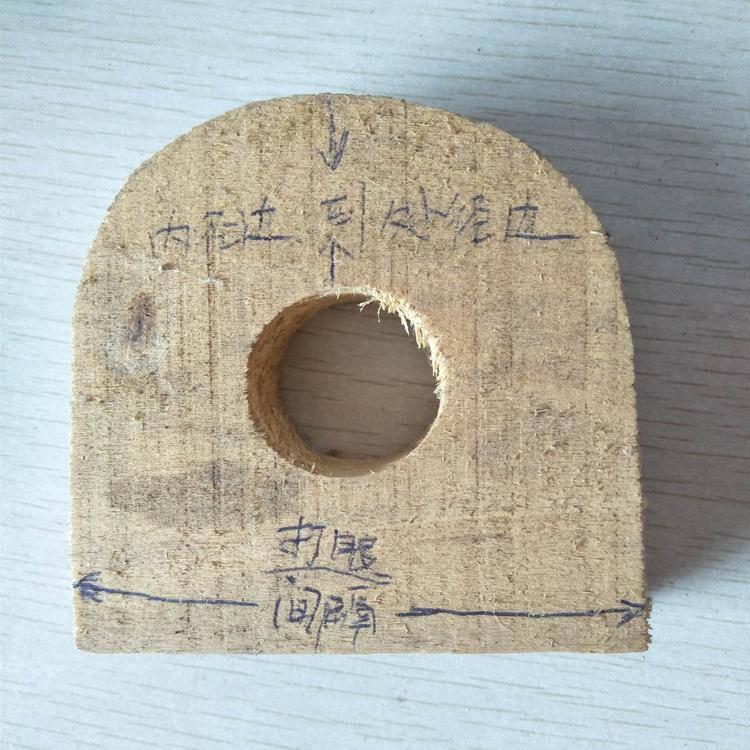 25*25 贵州毕节地区木质木托铁卡生产厂家