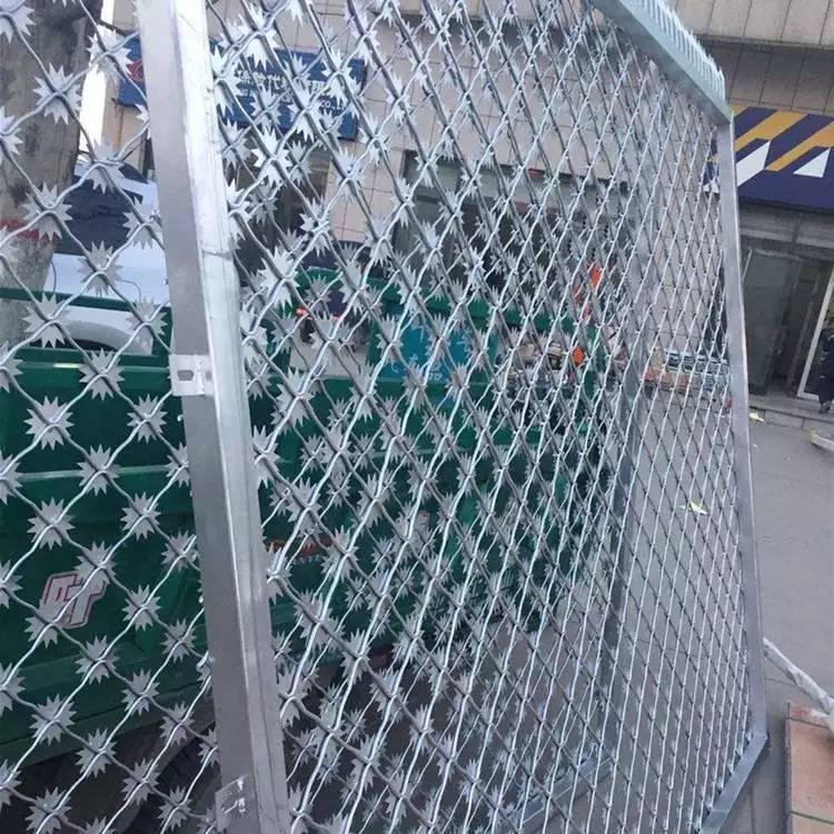 国帆刀刺防护网厂家 定做监狱护栏网 看守所隔离栅浸塑钢网墙