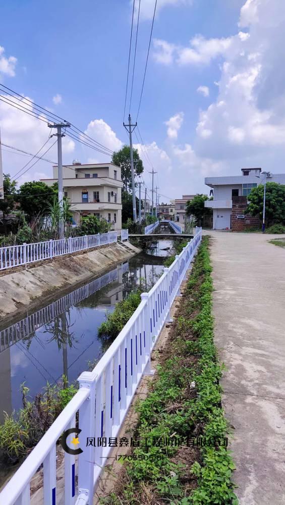 河道护栏道路隔离围栏生产厂家