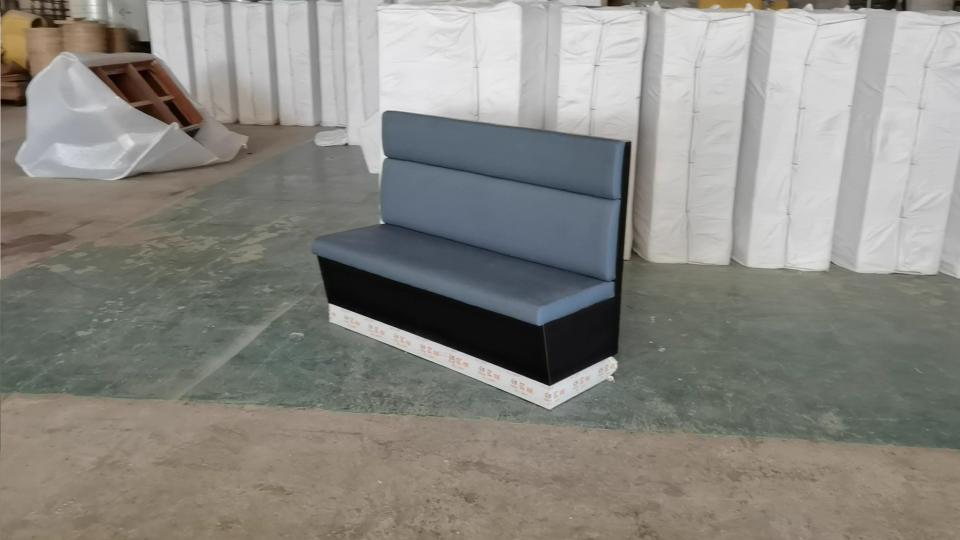 冠菌海鲜肥牛自助火锅店防火板卡座沙发