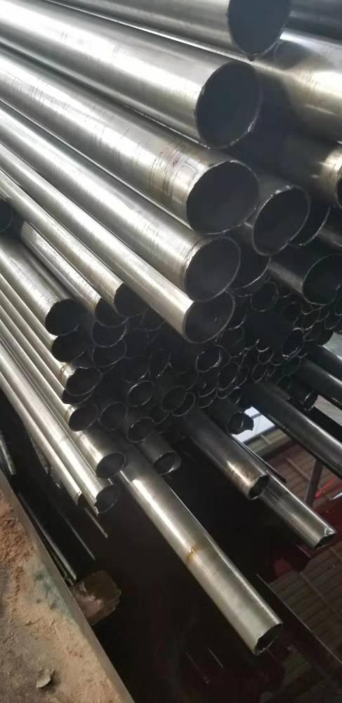 专业供应20#精轧无缝管 厚壁精轧管 尺寸齐全 量大优惠 山东聊城精密钢管