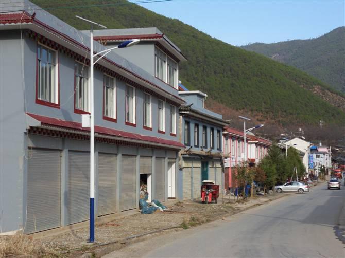 湖南6米太陽能路燈生產廠家 配置參數