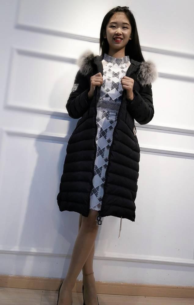 羽绒服 一手货源多种款式 品牌折扣批发