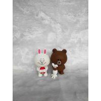 工厂定制 可妮兔布朗熊搪胶公仔 创意环保PVC卡通汽车摆件动物玩具广告宣传