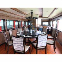 厂家供应放一个圆桌吃饭带休闲客厅的水上***餐饮画舫船