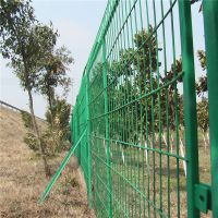 工地焊接护栏网 高速铁路护栏网 框架隔离栅护栏网现货