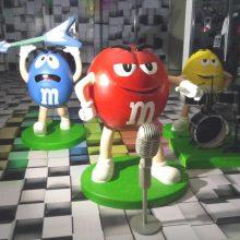 玻璃钢卡通MM豆雕塑商场广告展览展示模型装饰动漫人偶公仔大摆件