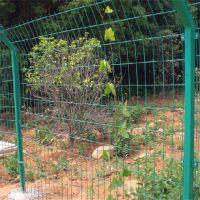 铁网围栏 养殖围栏网 体育场护栏网