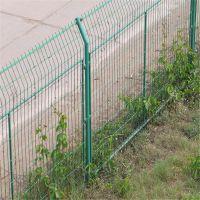 公路护栏网 桃形立柱防护网 小区围网厂家
