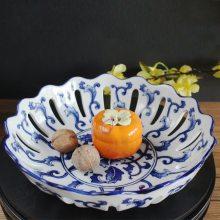 景德镇圆形陶瓷镂空果盘 现代客厅茶几装饰摆件 中式青花瓷水果盘