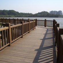 景观木栈道施工木质亲水平台铺设防腐木工程南京景观厂家直营