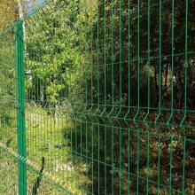阿里地区隔离栅钢丝网-工厂围栏网厂家-护栏网工厂