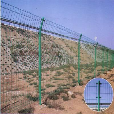 雅江县绿色护栏网价格-山地围栏网-围栏网厂家哪里有
