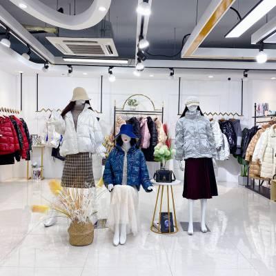 ***品牌【MiLi西树影黛】21羽绒服90%白鸭绒实体+直播货源 女装品牌***批发